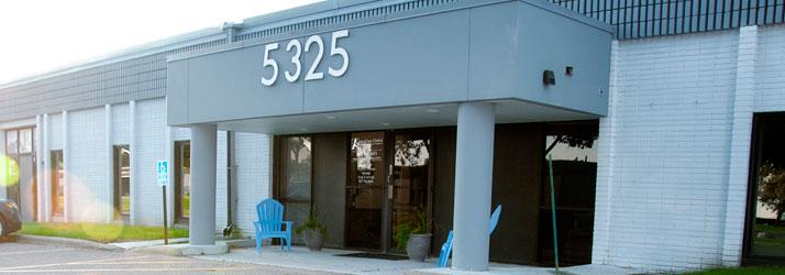 Chiropractic Edina MN Advacare Clinics Office